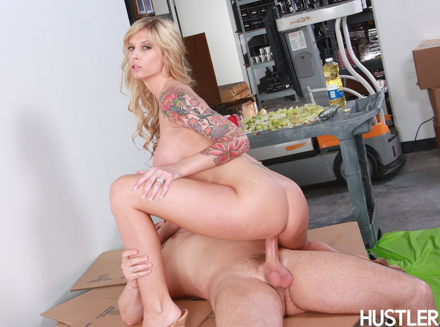 Sexy amateur wives fucking